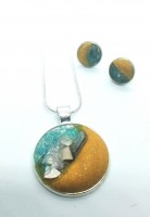 Round Clay, Glass and Abalone Shell Set