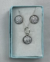 Sparkle jewellery in gift boxes -  Crystal