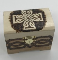 Chest with feet - Celtic cross